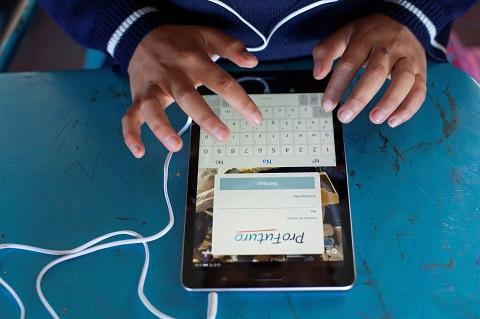 ProFuturo dona 1.000 tablets a la C...