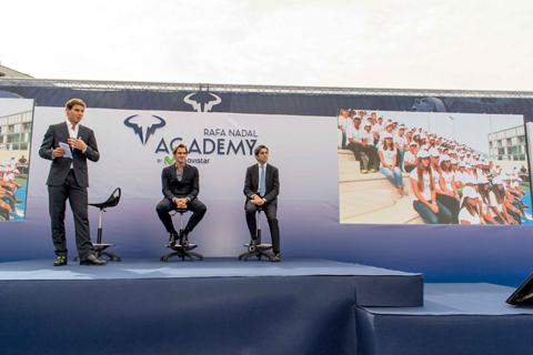 Rafael Nadal y el presidente de Tel...