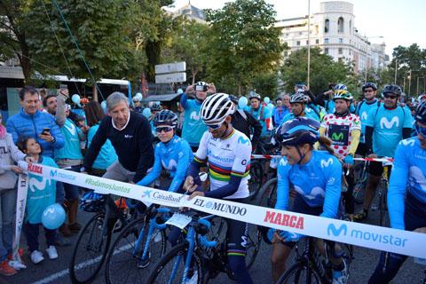 Alejandro Valverde estrena el maill...