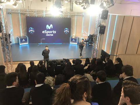Movistar Riders y Casa del Lector organizan un nuevo ciclo de visitas escolares al Movistar eSports Center