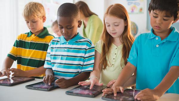 La educación digital impulsa el futuro y bienestar de las sociedades