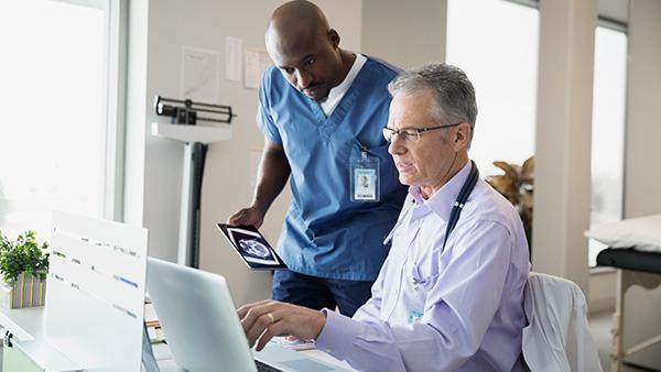 La red 5G conecta la tecnología con la medicina